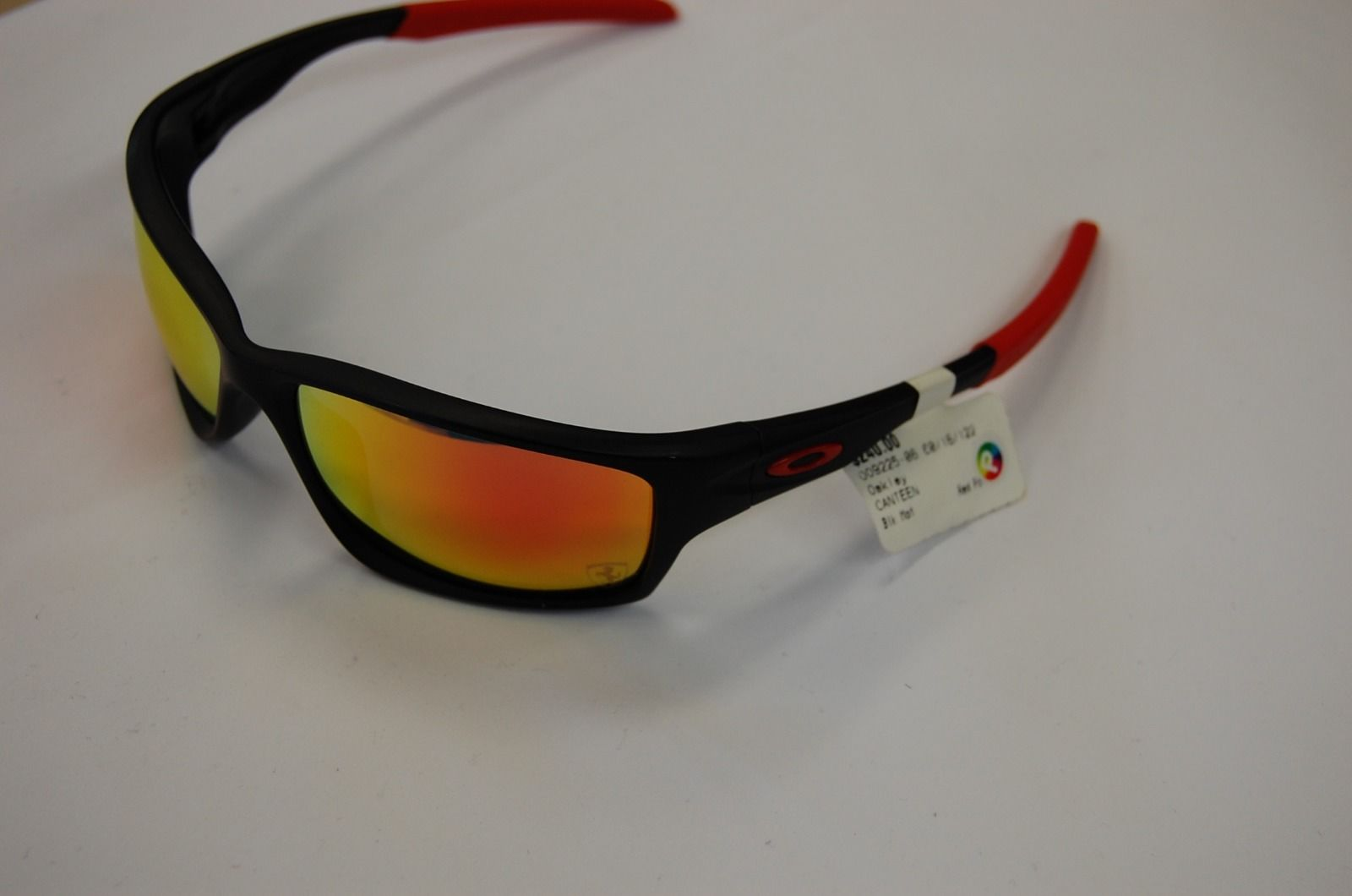 1c39920745 Oakley Canteen Ferrari « One More Soul